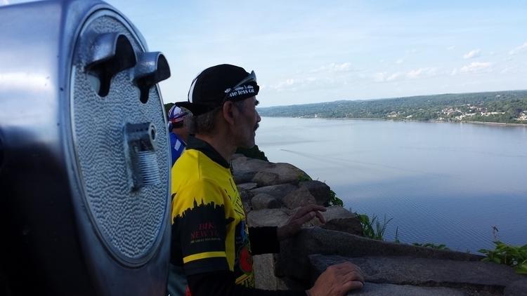 Hudson river - findog2   ello