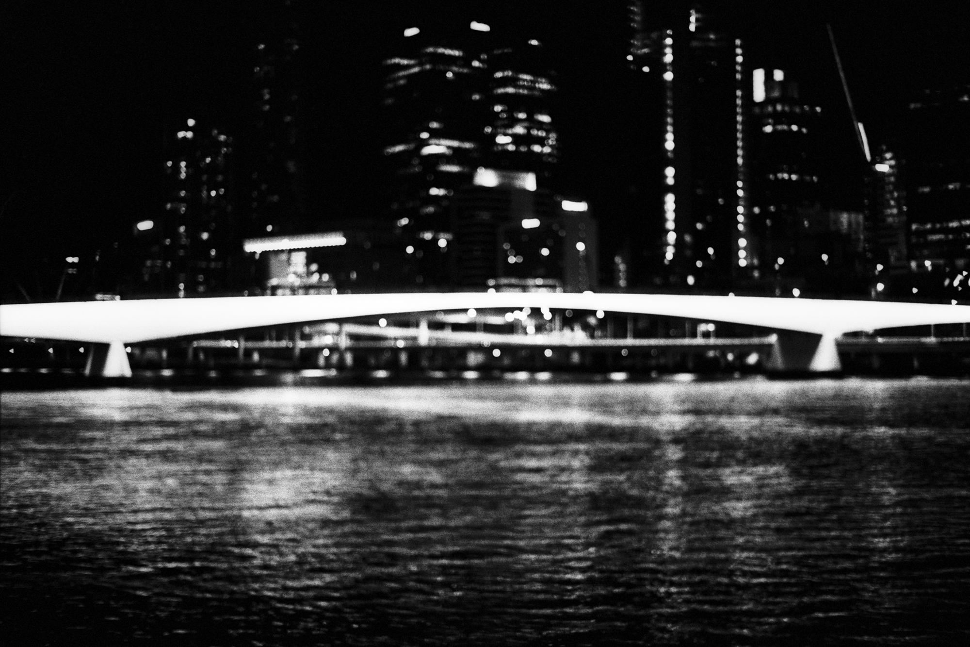 Incandescent Victoria Bridge Br - dropshot | ello