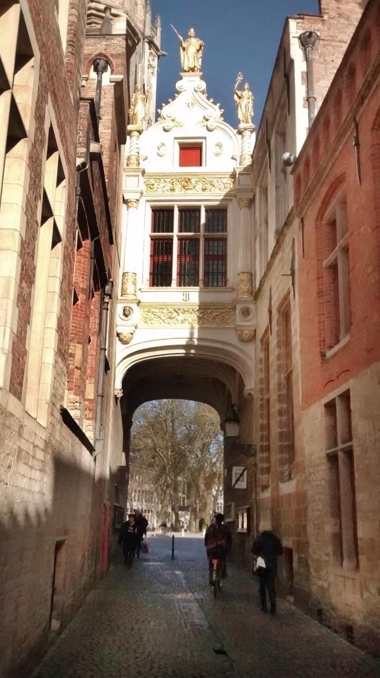 Brussels, Belgium, StreetPhotography - mario_napoles   ello
