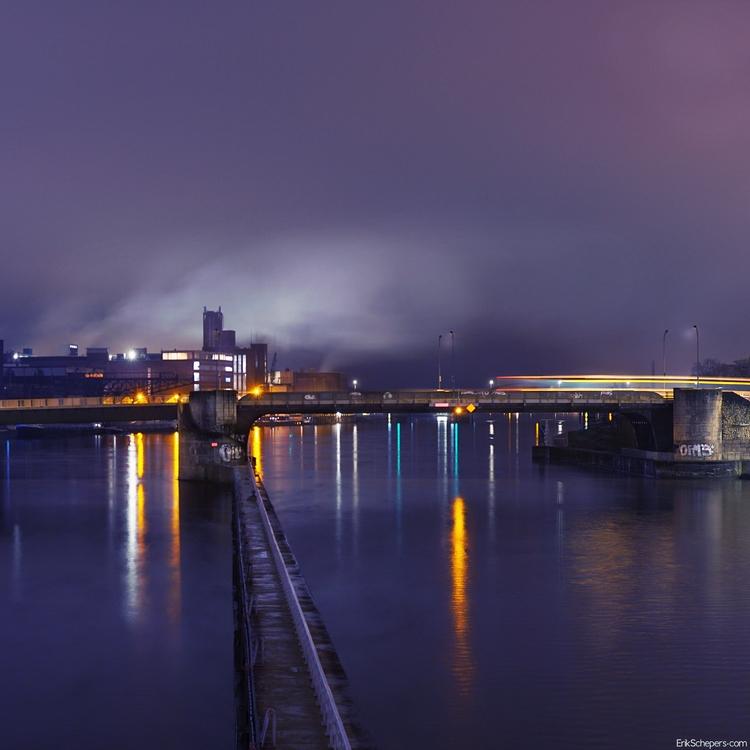Walkway Maastricht, Nl - night, light - erik_schepers | ello