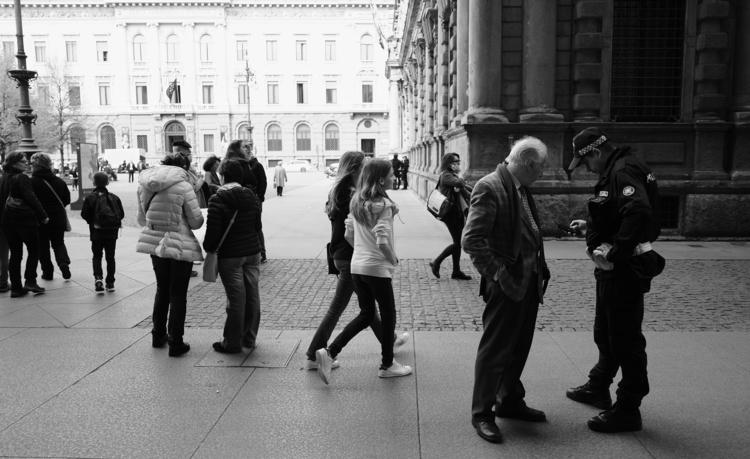 Candid shot Galleria Vittorio E - andy__green | ello