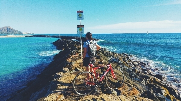 Camila riding BMC - Hawaii, bike. - danielgafanhoto | ello