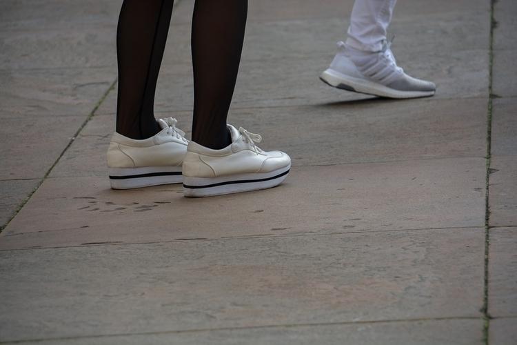 03 | 365 daily pedestrian - thedailypedestrian - myriam | ello