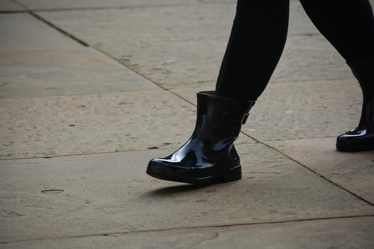02 | 365 daily pedestrian - thedailypedestrian - myriam | ello