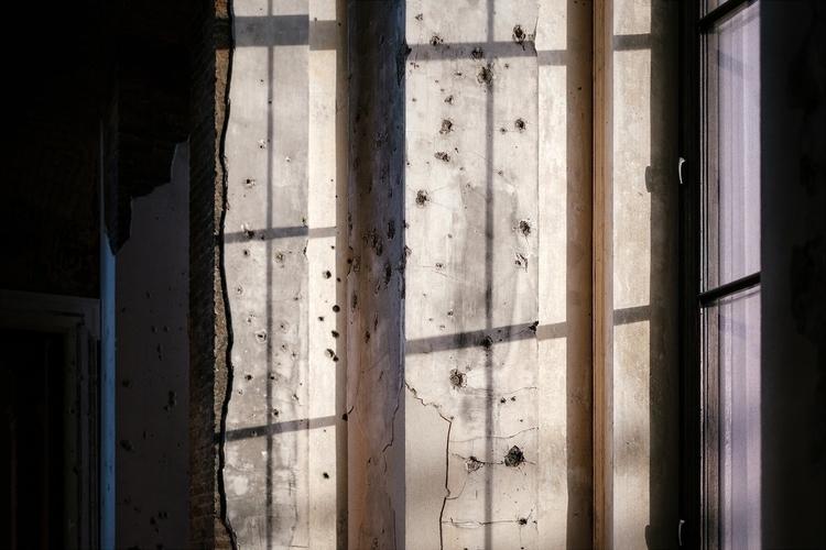 Scars war. wall Neues Museum Be - samuelzeller | ello