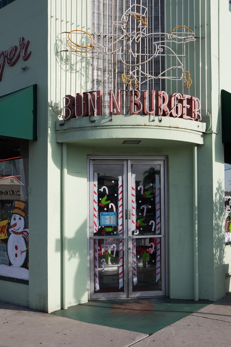 Bun Burger, Main St, Alhambra D - odouglas | ello