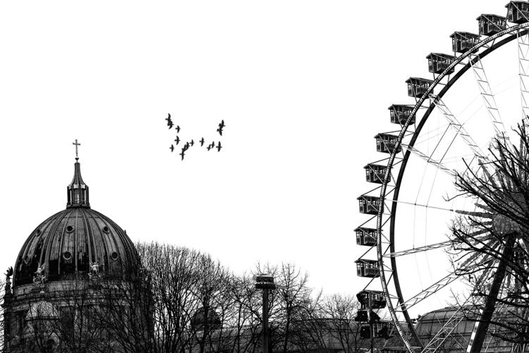 Berlin - Alexanderplatz - Alex, giantwheel - stephanepictures | ello
