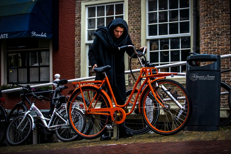 orange bike - artmen | ello