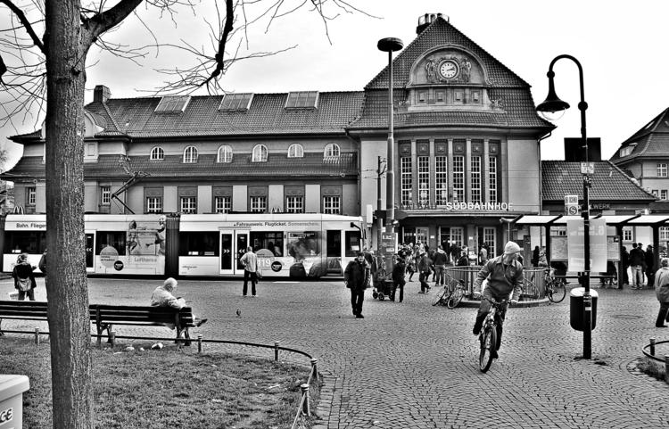 Frankfurt Südbahnhof - RailwayStation - borisholtz | ello