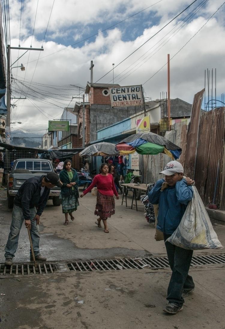 Guatemalan street scene - edgilardon | ello