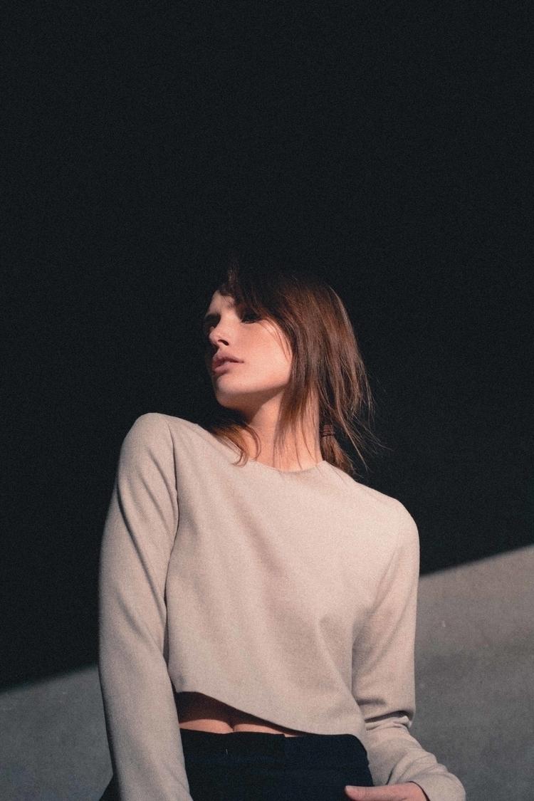 Unparallel lines (Elena) Shadow - aurelienlongo | ello