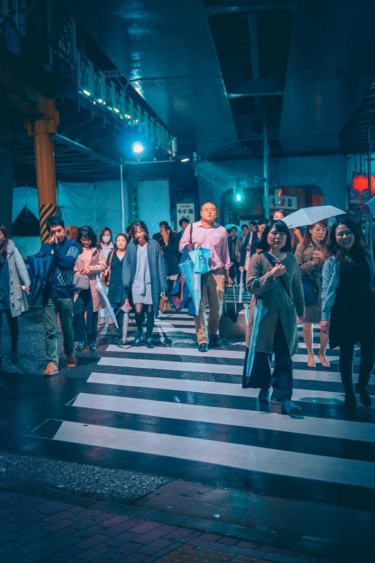 Crossing flow...  - tokyo, japan - fokality | ello