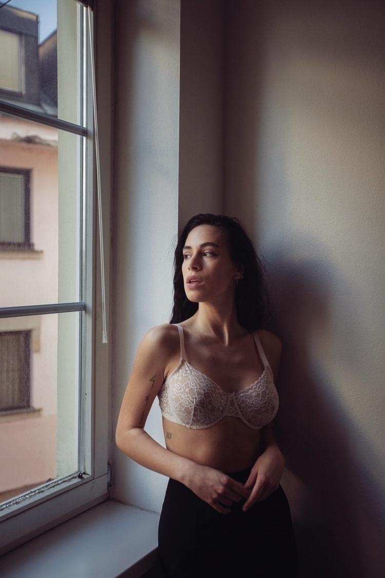 Shot home-studio Lucia professi - lukysta | ello