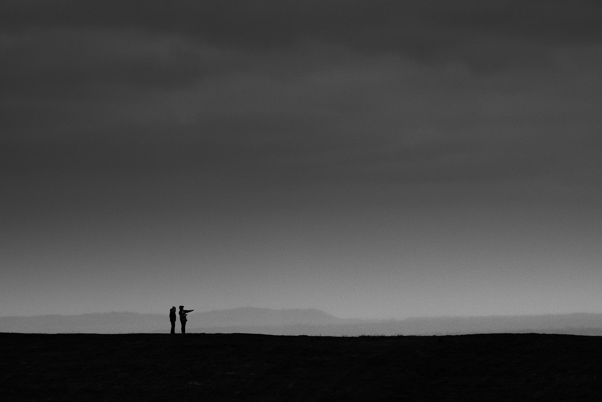 2 walkers pointing distance. Ly - graeme83 | ello