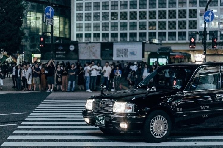 Shibuya Crossing - tokyo, japan - limmidy | ello