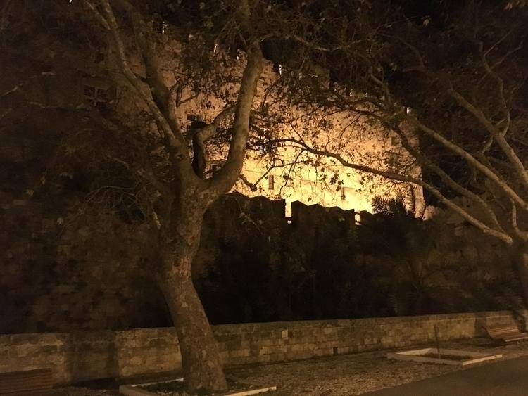 Night Castle - photography, mobilephotography - irakleidisc | ello