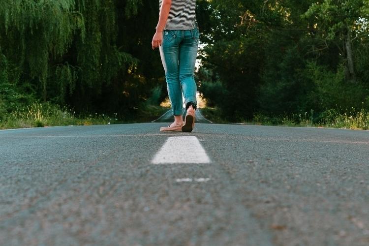 15/01/2017 lonely road wander - photography - cakofuentes | ello