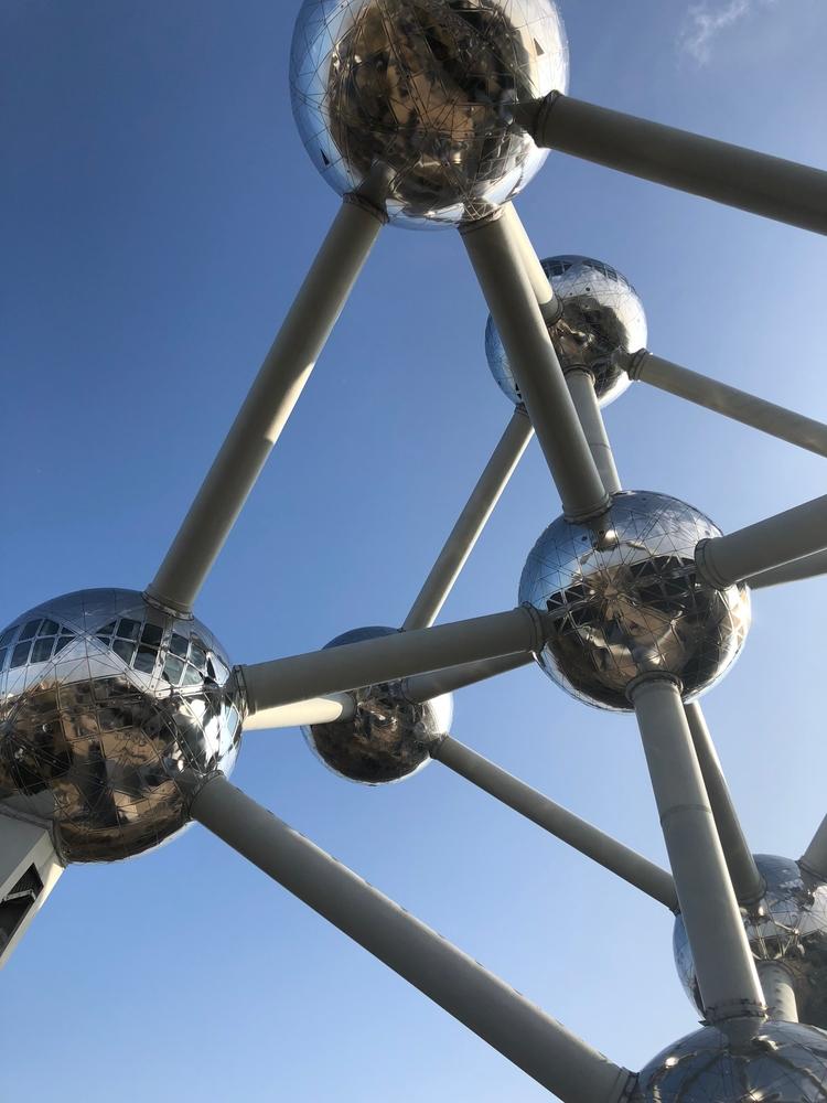 Brussels! stands tall, amazing  - jpurvisturton   ello