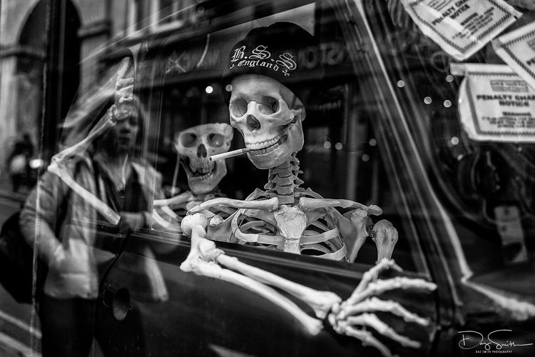 Smoking kills - Bath,, streetphotography - dazsmith | ello