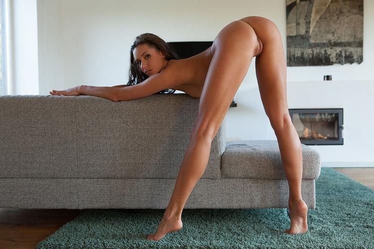 brunette, ass, legs, naked, nude - ukimalefu | ello