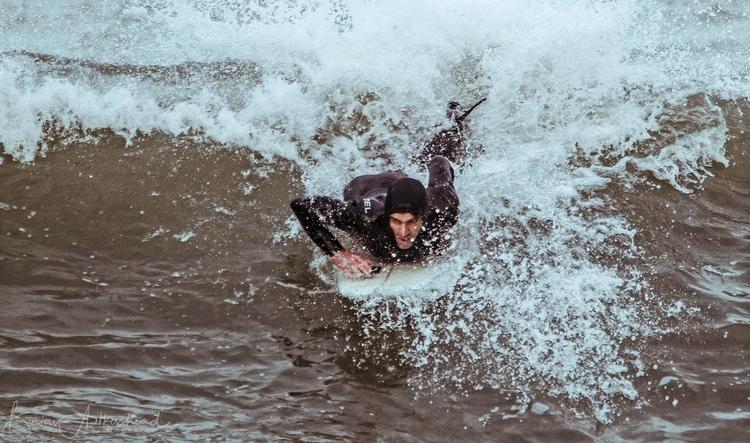 Surfer Porthleven - surfer, surf - applebear1976   ello