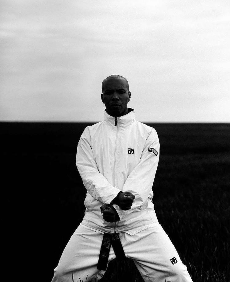 DARK SERIES / MOOTO 2017 - blackandwhite - iamdaehan | ello