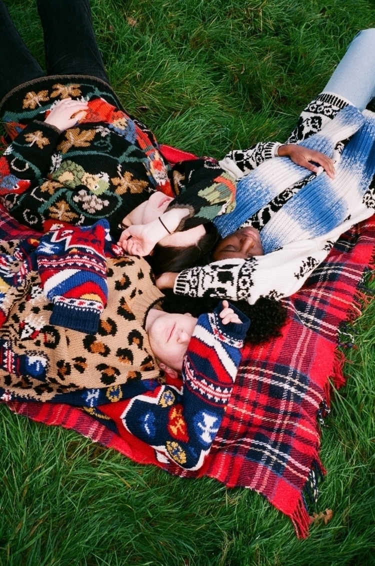 Napping patterns - Collaboratio - celiatang | ello