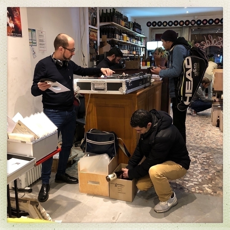 Vinyl addicts Beers Records, Mo - jeanfabien | ello