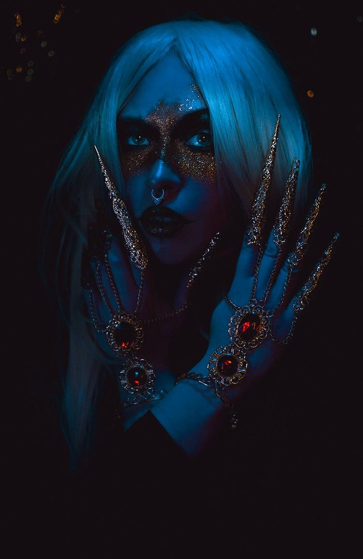 """Behold"" Photographer/Concept/S - darkbeautymag | ello"