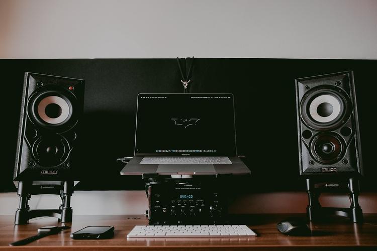 Hey guys! productive desktop    - raresionweddingstoryteller   ello