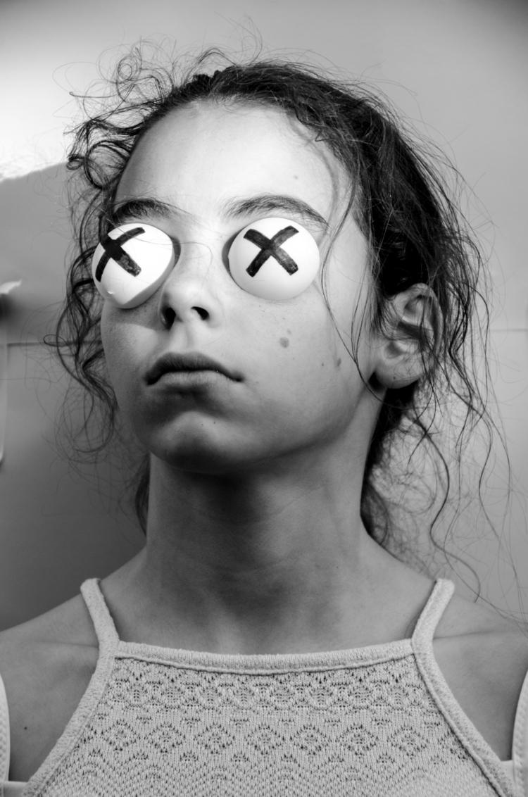 creep, weirdooo - photography, blackandwhite - robryr   ello