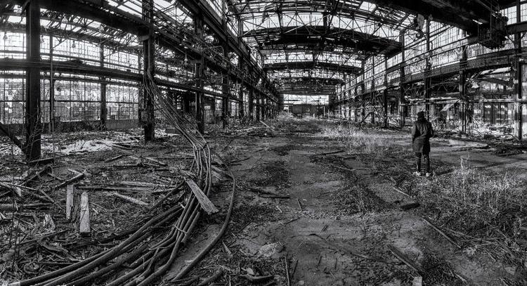 Exploring - abandonment, abandoned - d1224m | ello