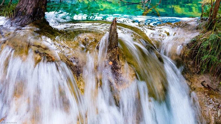 Living water Jiuzhaigou Nationa - shutterstalk | ello