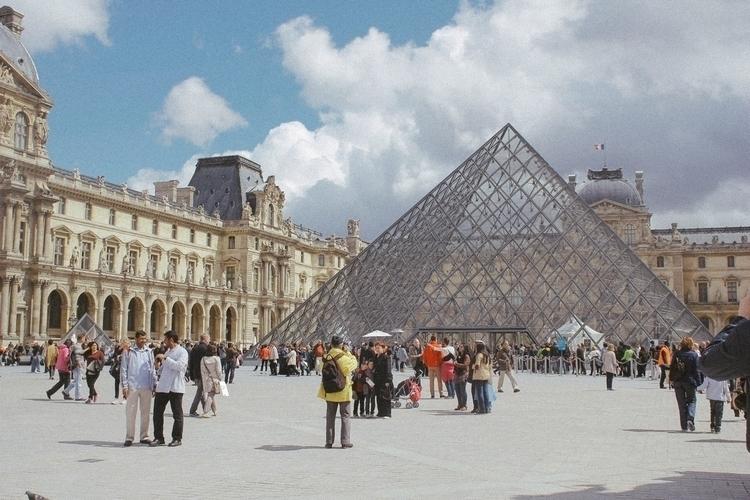 Louvre, Paris - merphi | ello