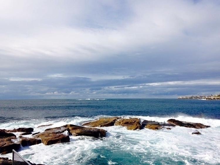 Coogee Beach, South Wales, Sydn - estrella__aira | ello