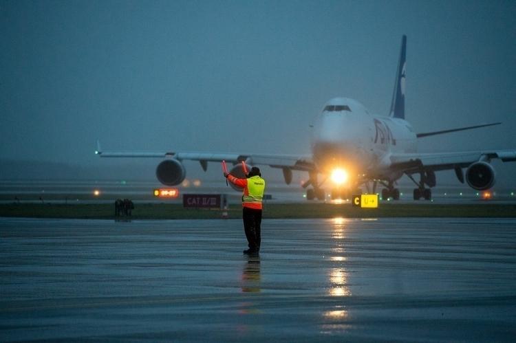 747, boeing747, marshalling, ekbi - matias23 | ello