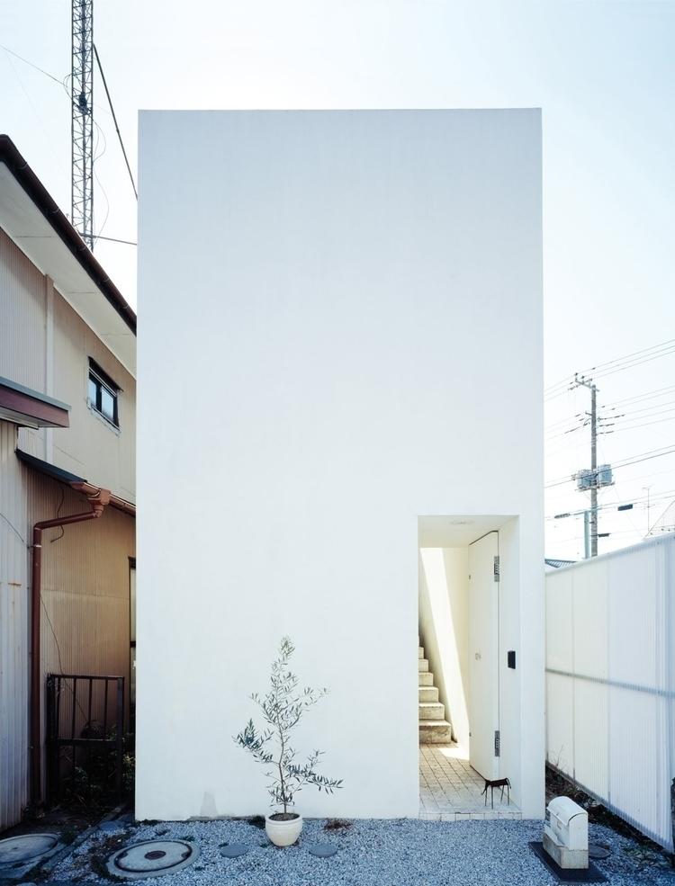 Small box-shaped house. Love Ho - upinteriors | ello