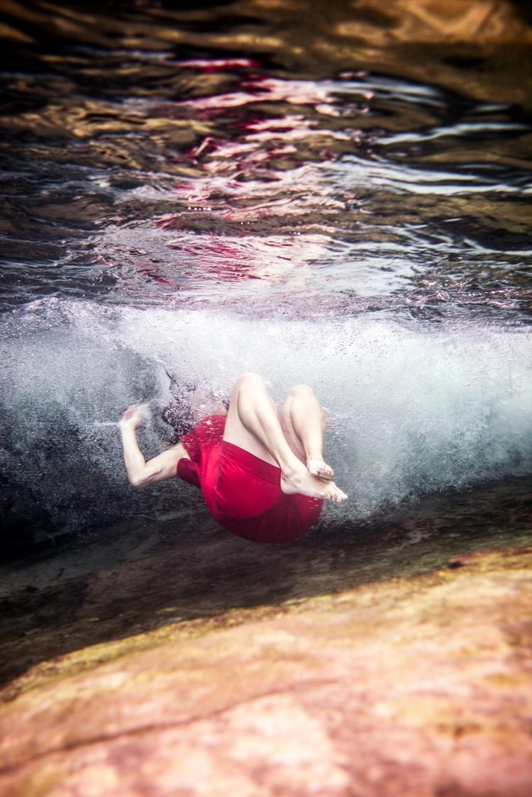 partsoflife - pascale - underwater - robincerutti | ello