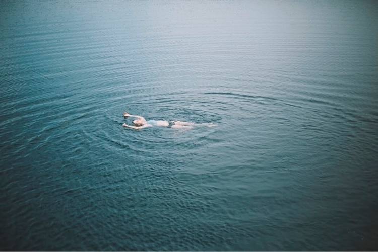 Drowning sea people - drowning, photography - rrosemarie | ello