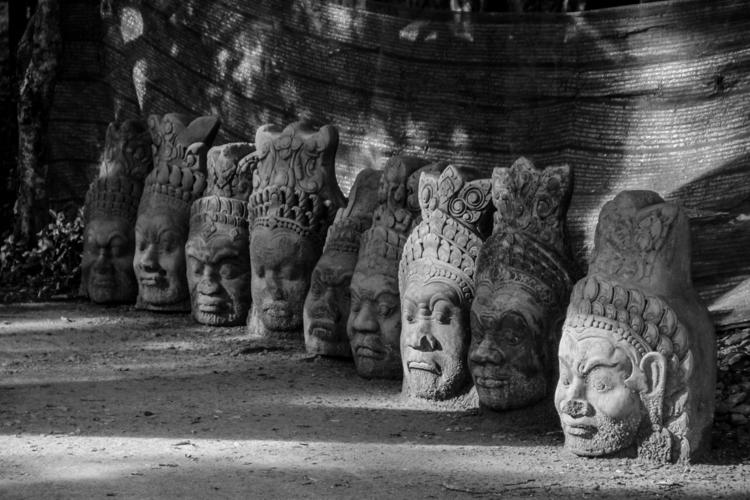 Gaze Statues / Siem Reap, Cambo - desktopofsamuel | ello