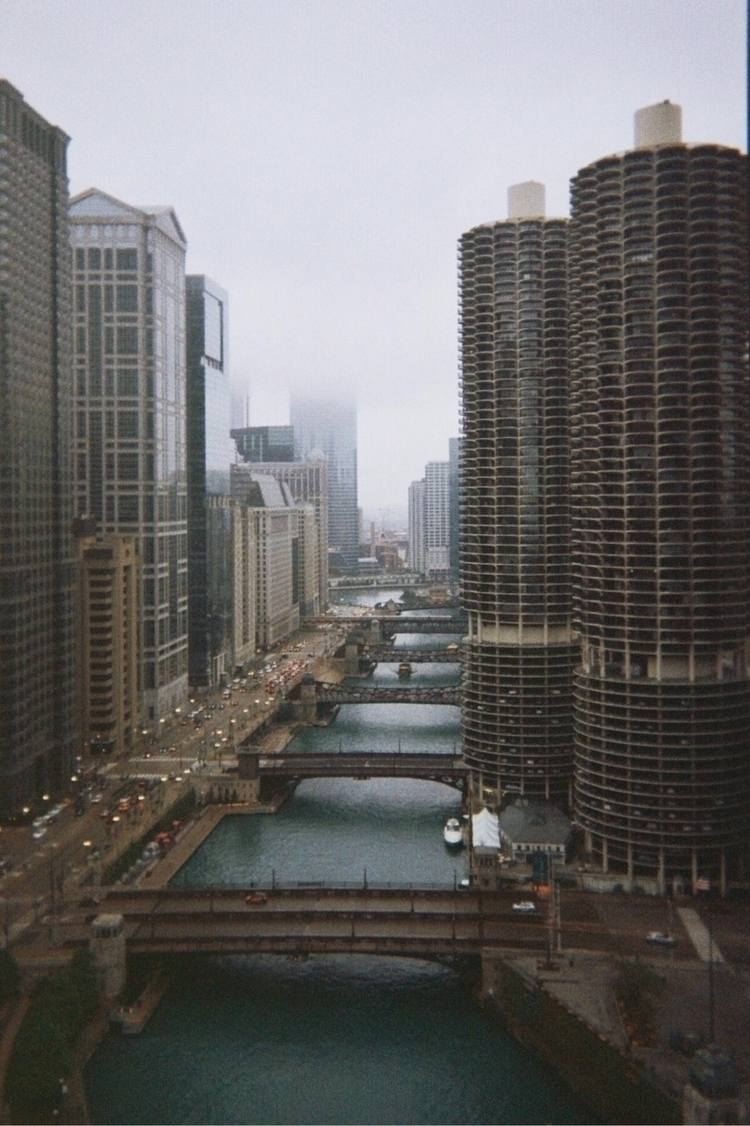 foggy groggy soggy chicago - film - zelmanski | ello