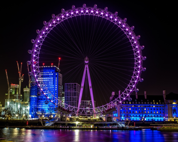 moved UK, London Eye stopped. m - kevinmaschke | ello