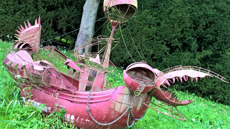 Weird ship (prop unknown movie - smashedmonkey | ello
