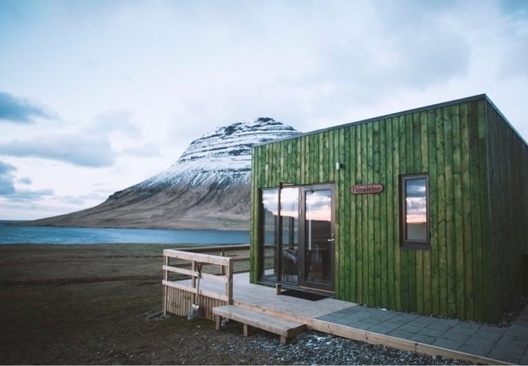 Dreamy cabin Iceland - rrosemarie | ello