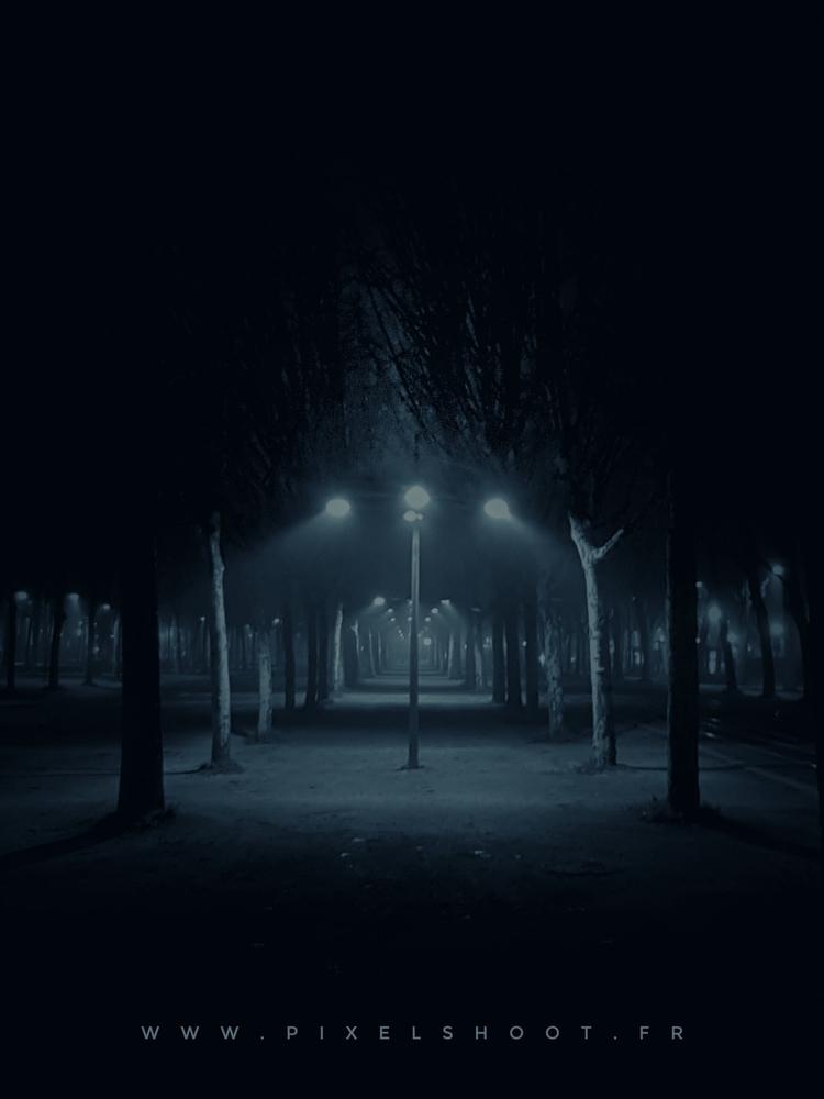 BORDEAUX, Place des quinconces  - pixelshoot | ello