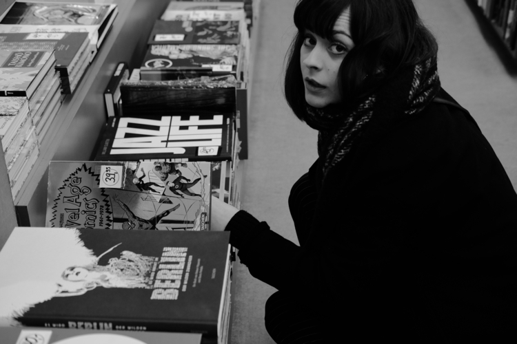 Bibliophile FFM, Jan. 2018 - blackandwhite - thanospal | ello