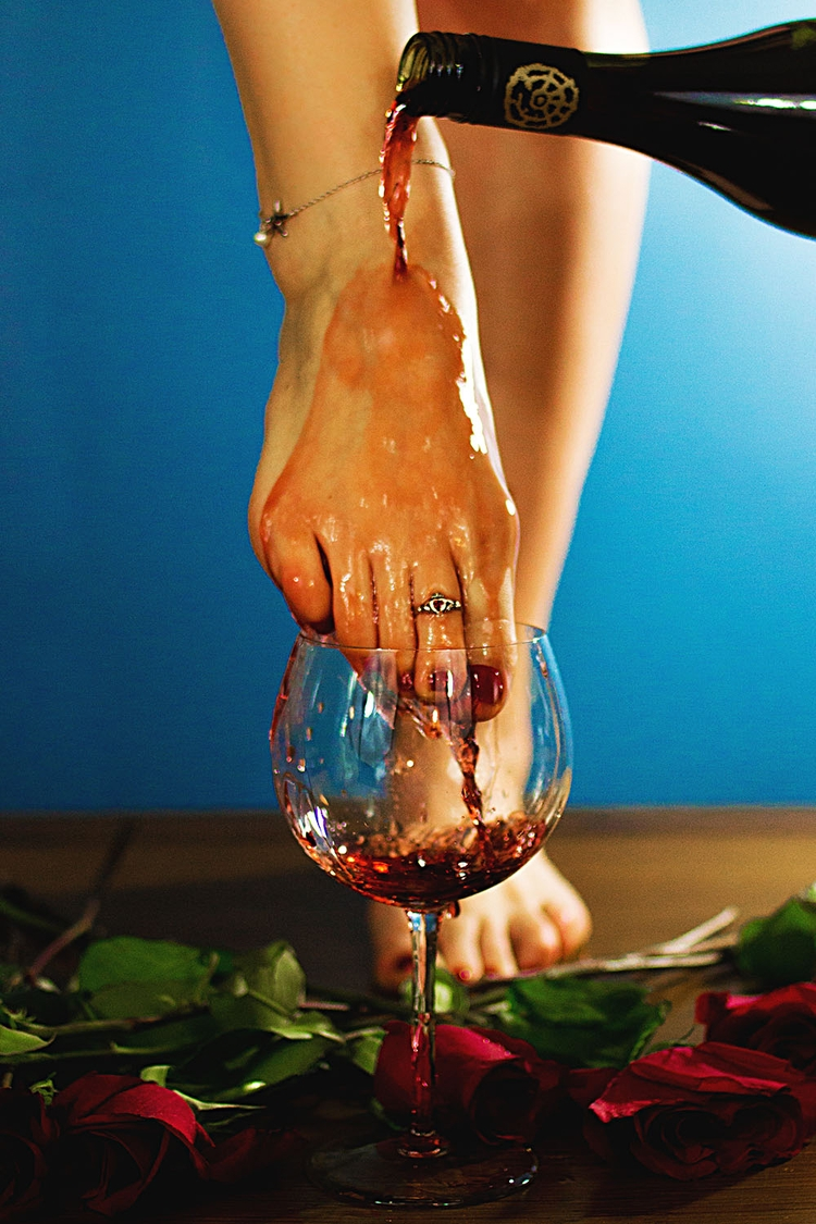 footfetish, wine, photography - gorgeousfeetpics | ello