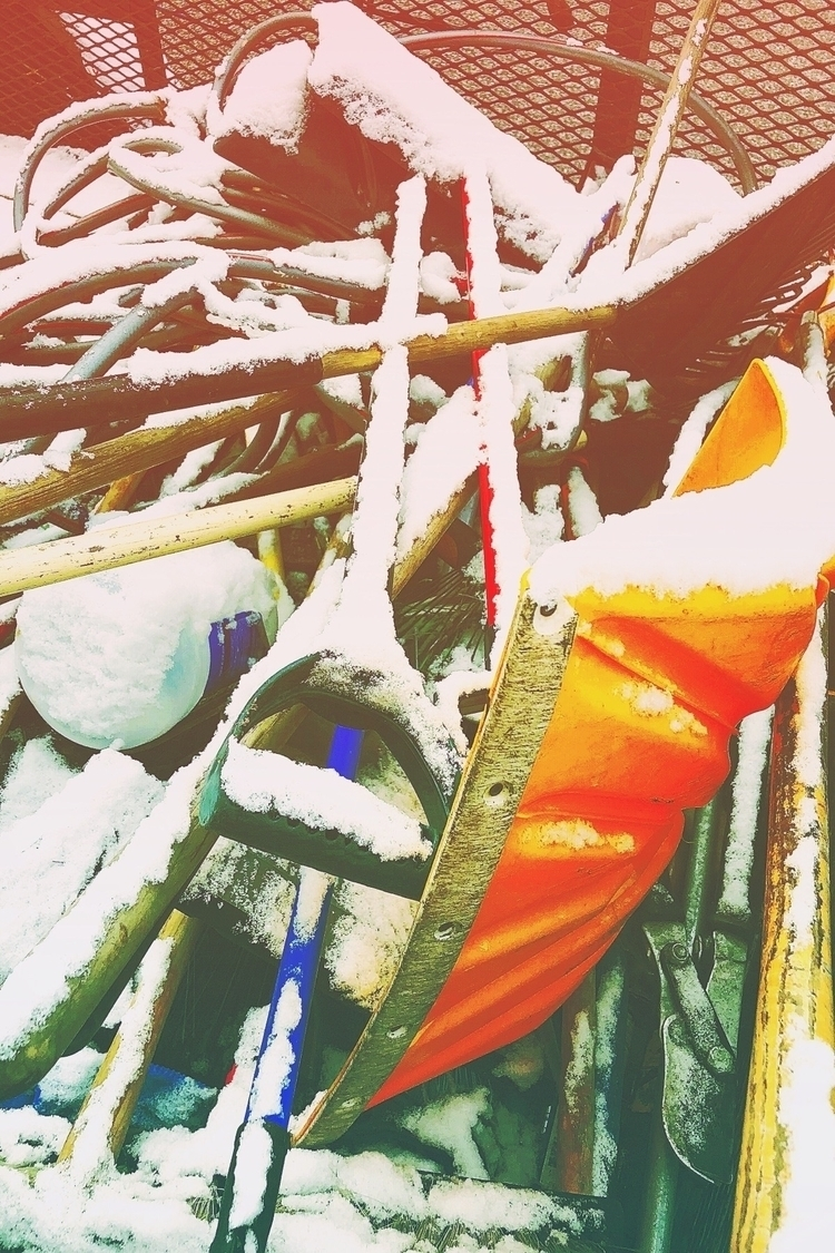 orange shovel - simplecamera, acolorstory - stricker71 | ello
