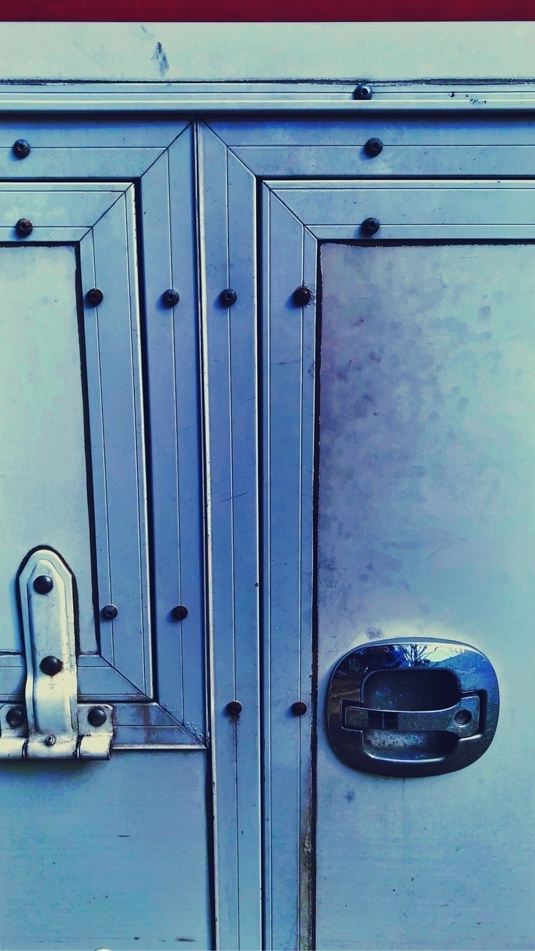 doors - simplecamera, afterlight2 - stricker71 | ello