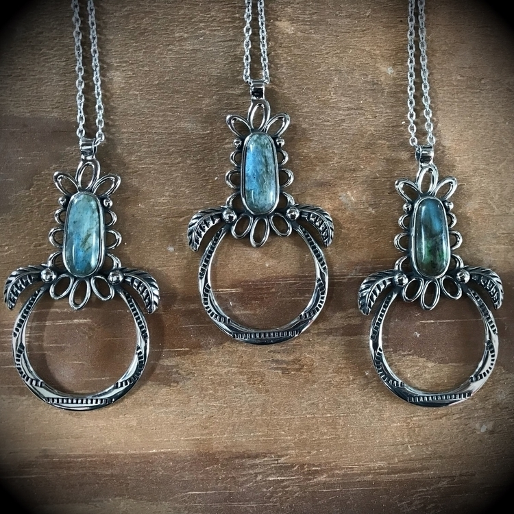 Chance items website! 3 Spiderw - evil_pawn_jewelry   ello